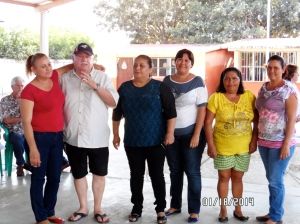 Dale Lyster, Ana Cruz Soliz with the mothers who did the cooking.